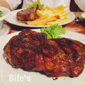 Bife's